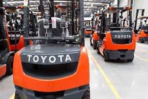 TEN Reasons to rent forklifts from Toyota Material Handling!